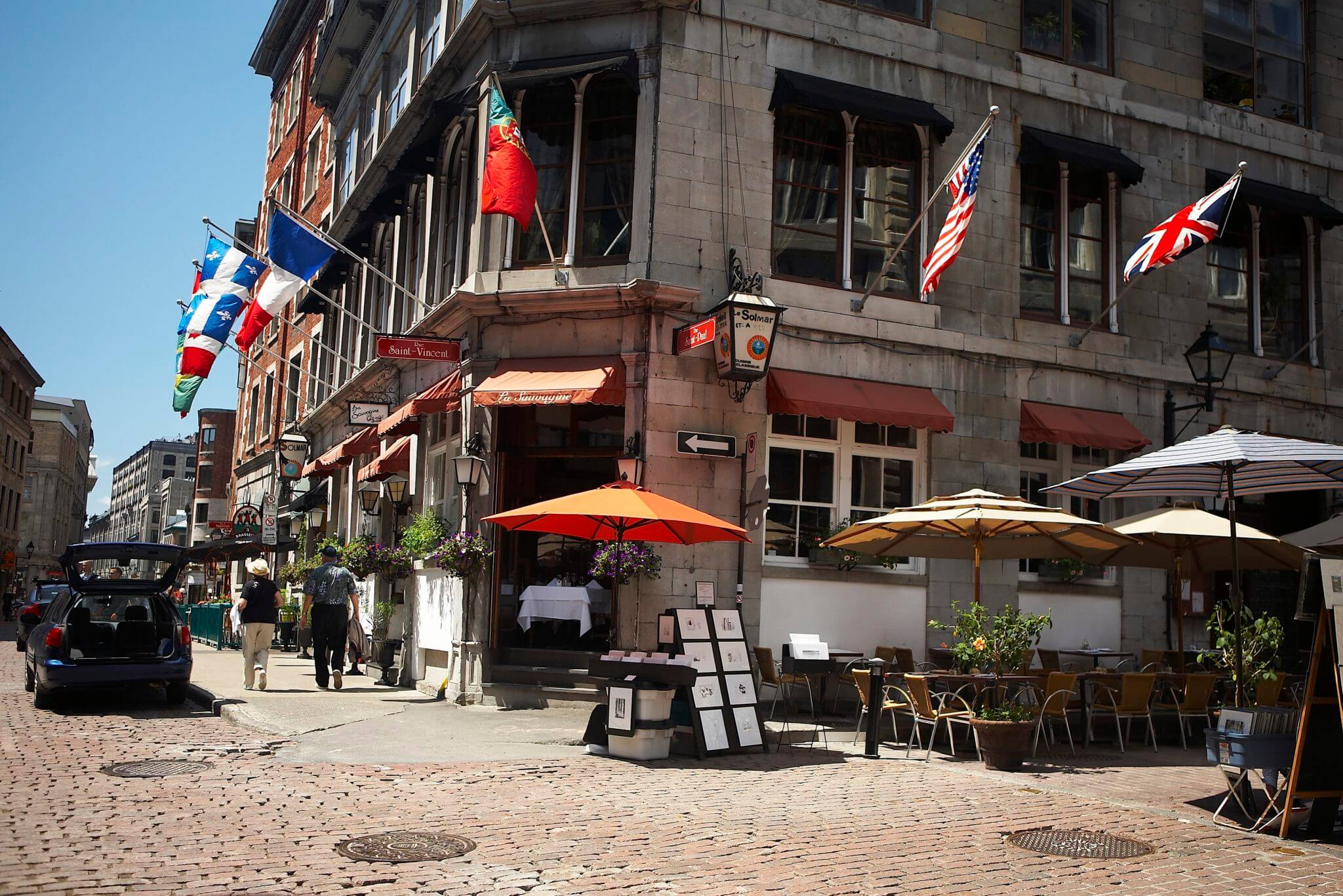 Public tours in Old Montreal